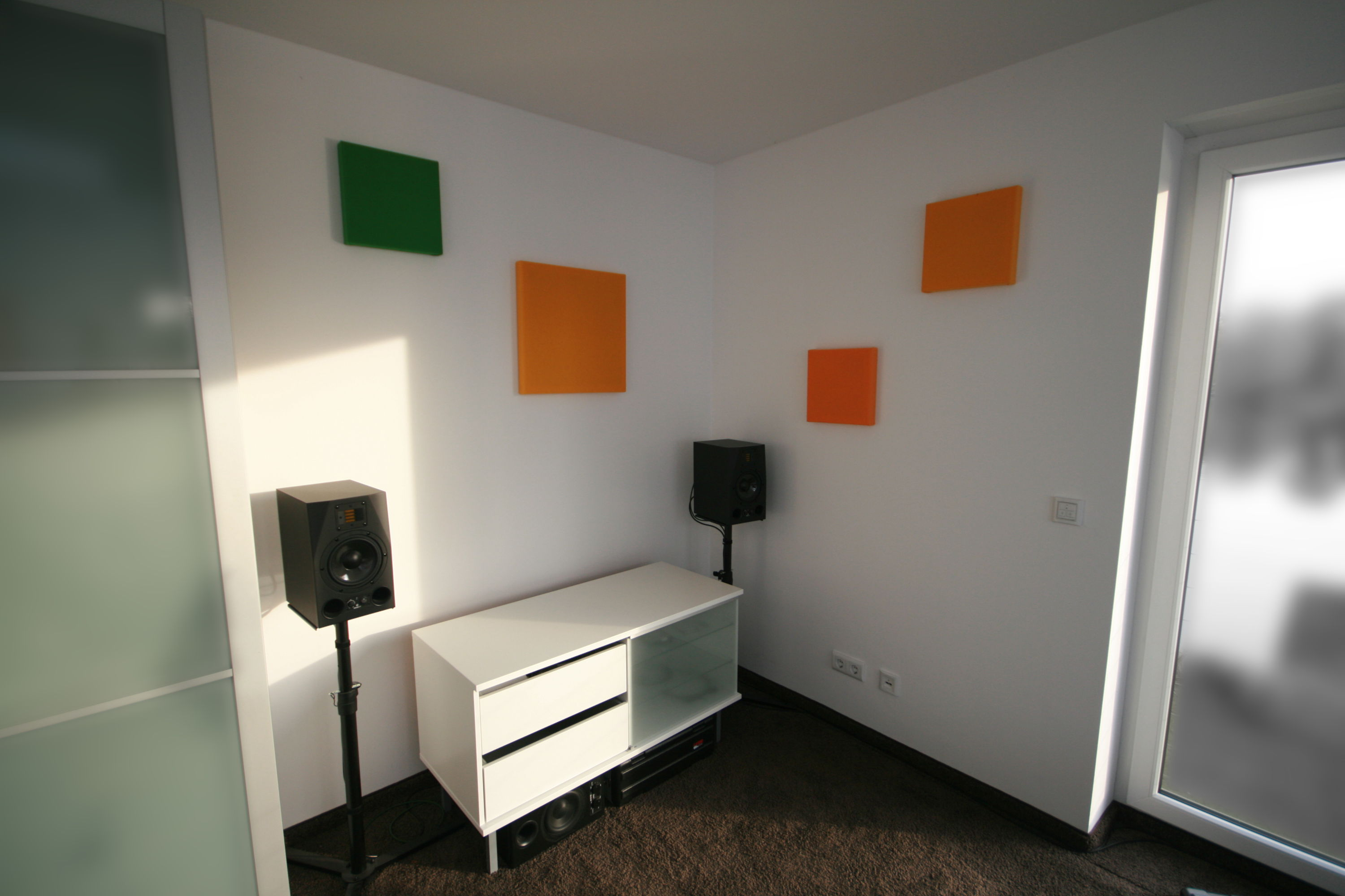 mounted acoustic pictures
